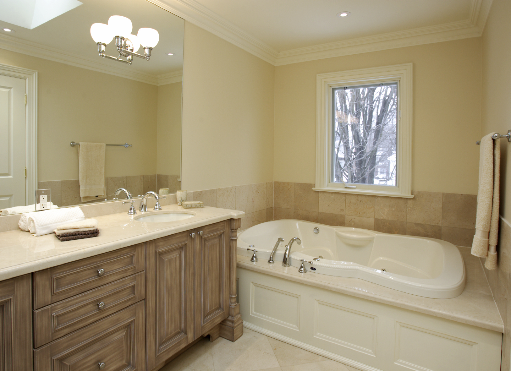 Tips For How To Properly Light A Bathroom
