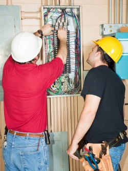 Emergency Service Electrician Suffolk County | Smithtown | Electrician Huntington